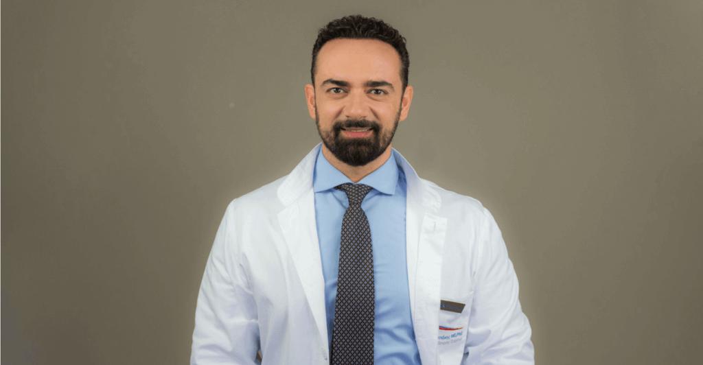 Δρ. Αναστασάκης χειρουργός μεταμόσχευσης μαλλιών