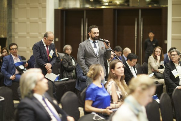 Δρ. Κωνσταντίνος Αναστασάκης MD, PhD, ABHRS ISHRS, Dubai 2018