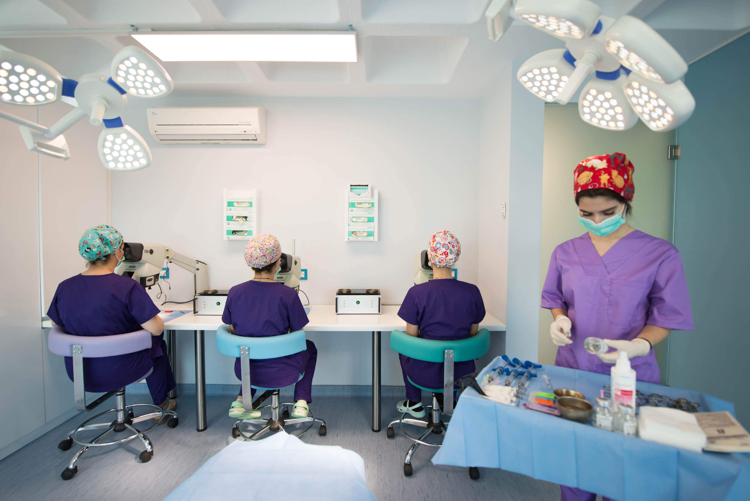 νοσηλευτικη ομαδα στα στερεομικροσκοπια 2